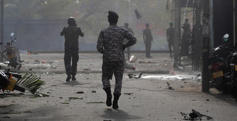 Sri Lanka, i funerali delle vittime: intanto cresce il timore per nuovi attentati