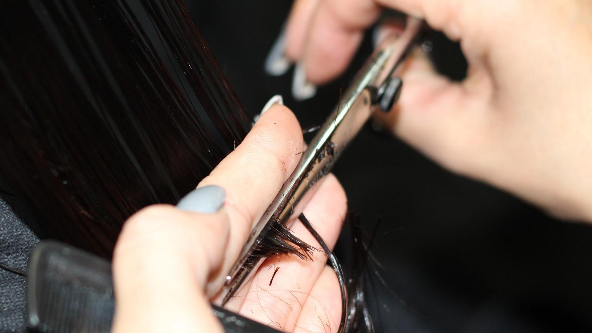 Tagli capelli primavera-estate: il long bob e la tonalità dirty blonde tra le tendenze top