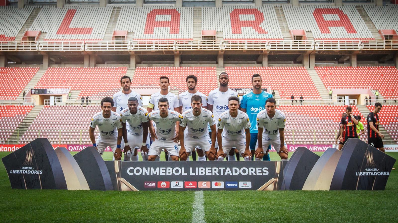 Cruzeiro bate Lara por 2 a 0 e segue com campanha perfeita na Libertadores