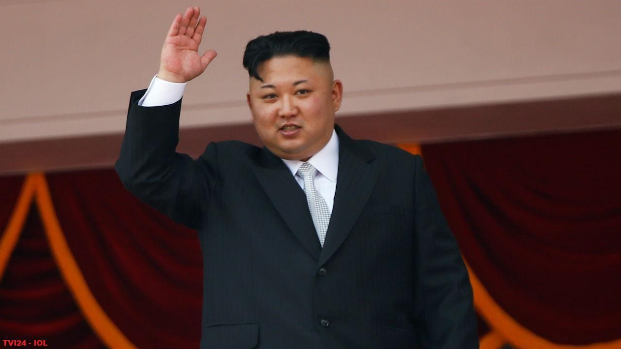 Os líderes Vladimir Putin e Kim Jong-un se encontram pela primeira vez