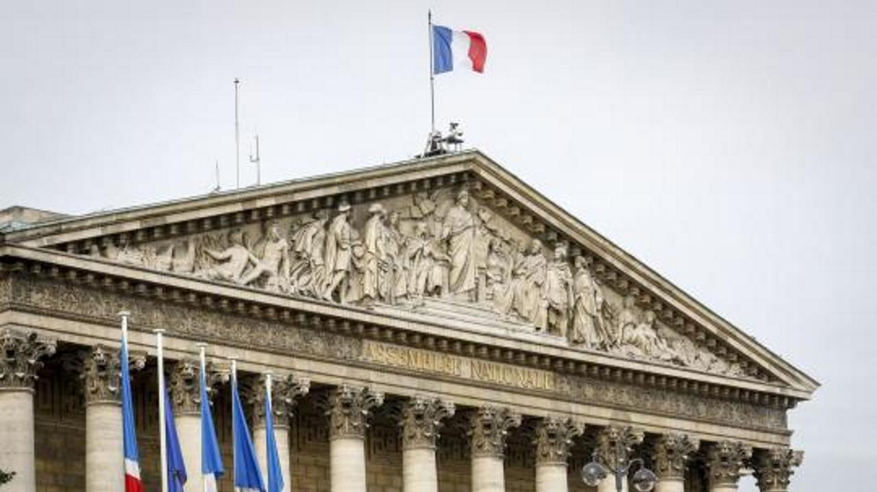 Macron : projection sur l'Assemblée à 20% de proportionnelle et moins 30% de députés