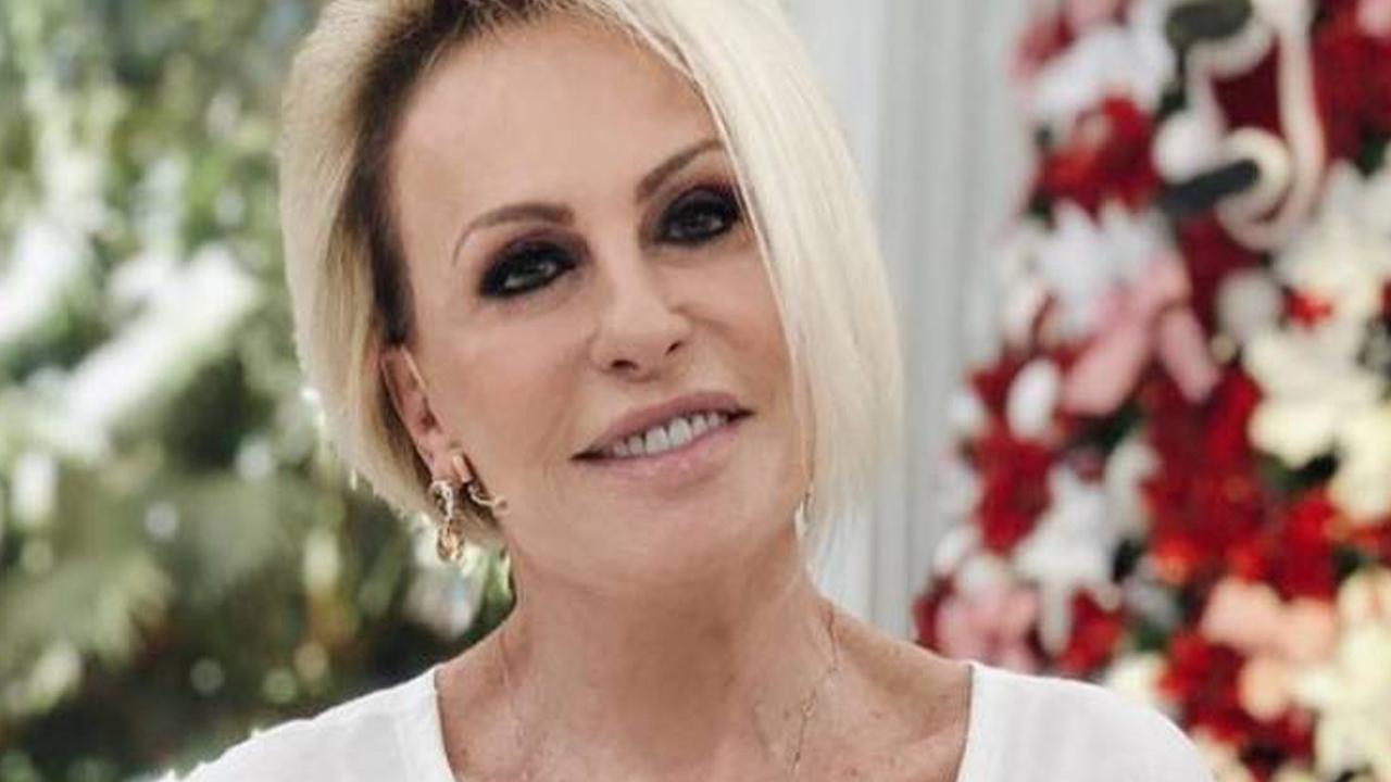 Ana Maria Braga compartilha clique raro ao lado do neto