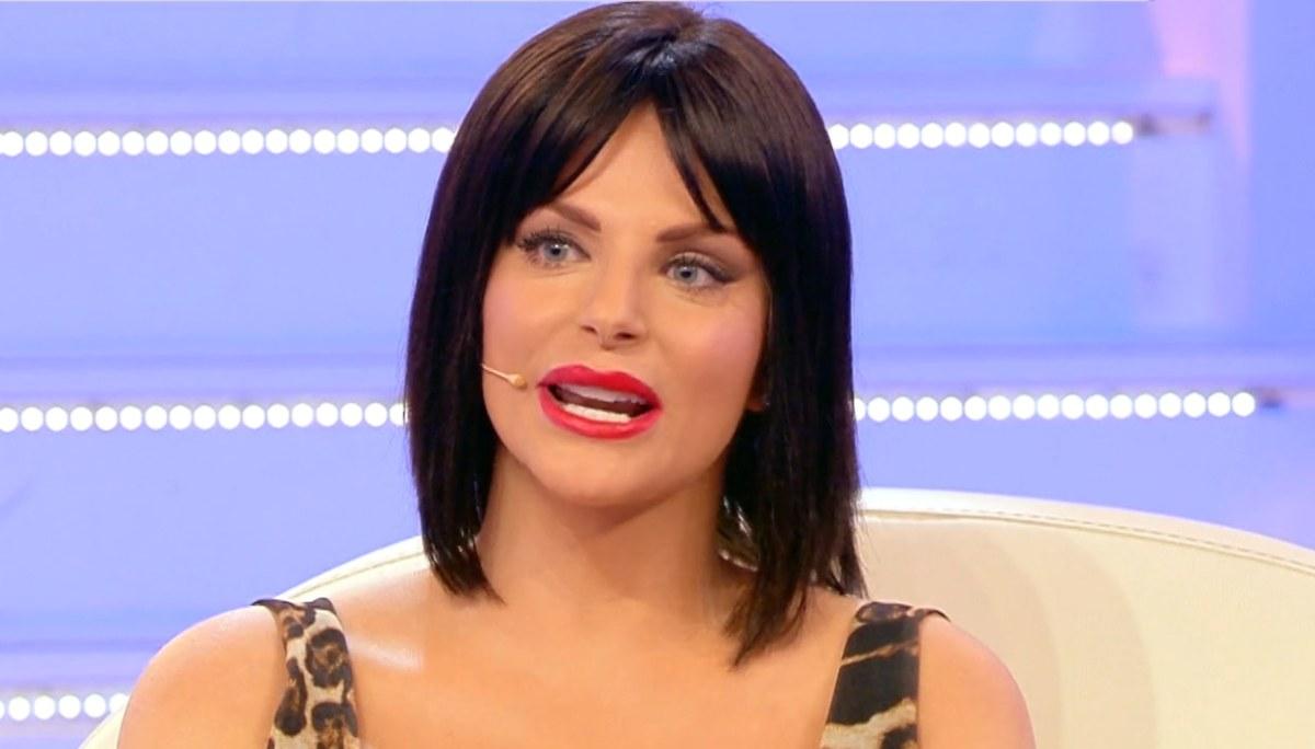 Pomeriggio Cinque, Francesca Cipriani si presenta con un look tutto nuovo