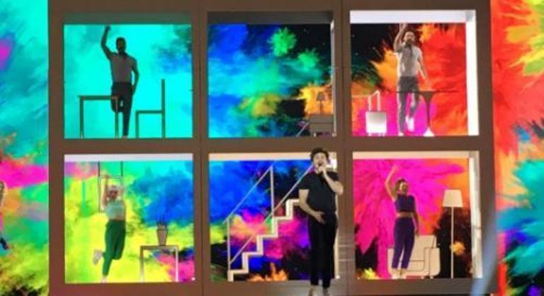 Miki llega a Tel Aviv rodeado de colores para participar en Eurovisión 2019