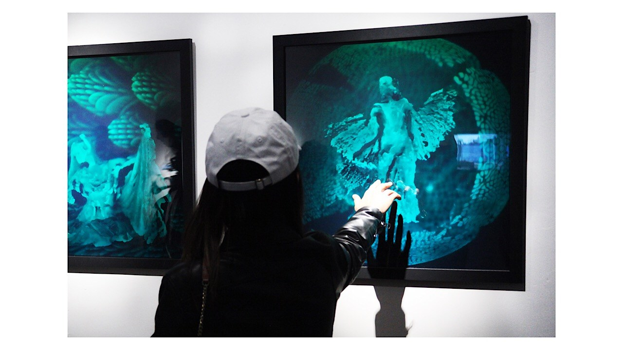 HoloCenter ON CANAL presents IRIDESCENCE art exhibition
