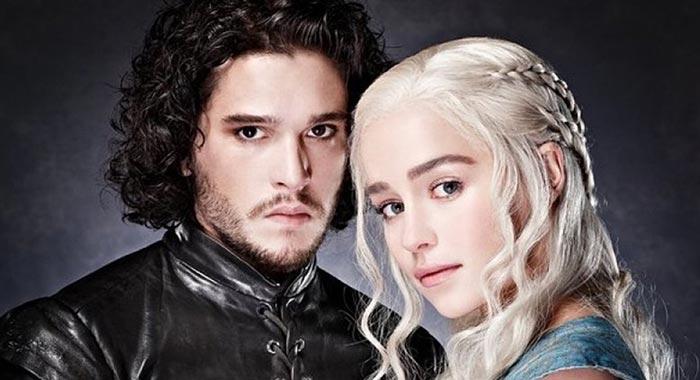 Emilia Clarke dice que todos tienen sentimientos encontrados como Daenerys (Spoiler)