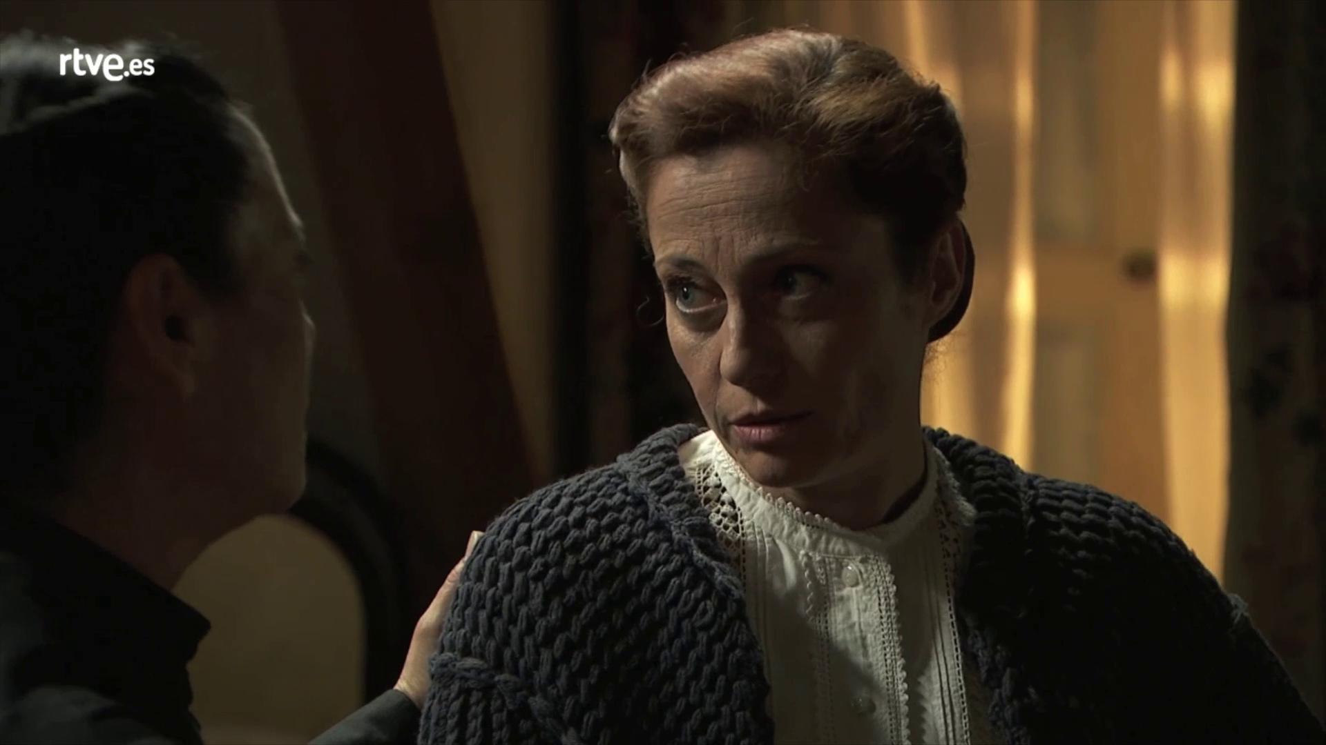 Una Vita, anticipazioni: Ursula uccide Carmen, Moises ritrovato da Blanca e Diego