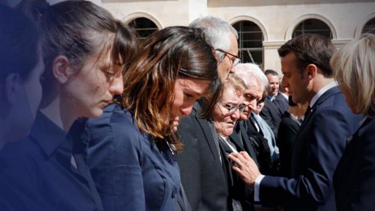 Hommage aux Invalides : La mère d'un des soldats tués n'a pas repoussé le Président Macron