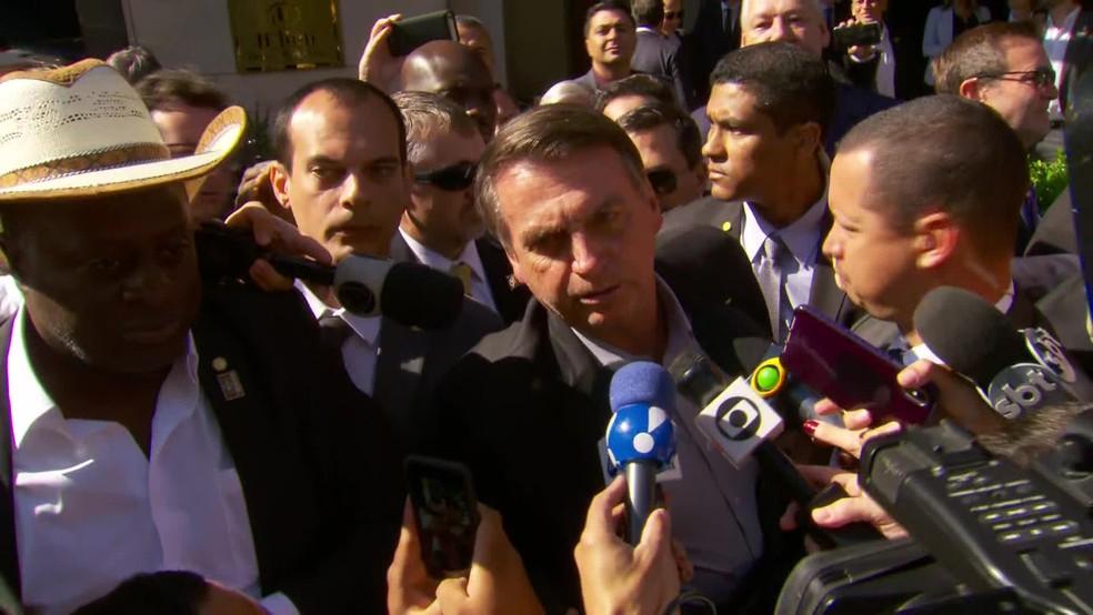 Bolsonaro ataca Lula e diz que querem que ele sofra um impeachment