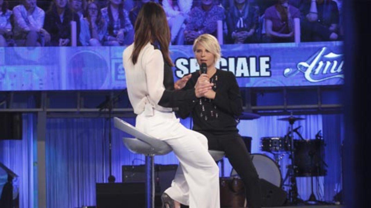 Maria De Filippi a Verissimo: puntata dedicata ad Amici, ospiti anche Gemma e Tina