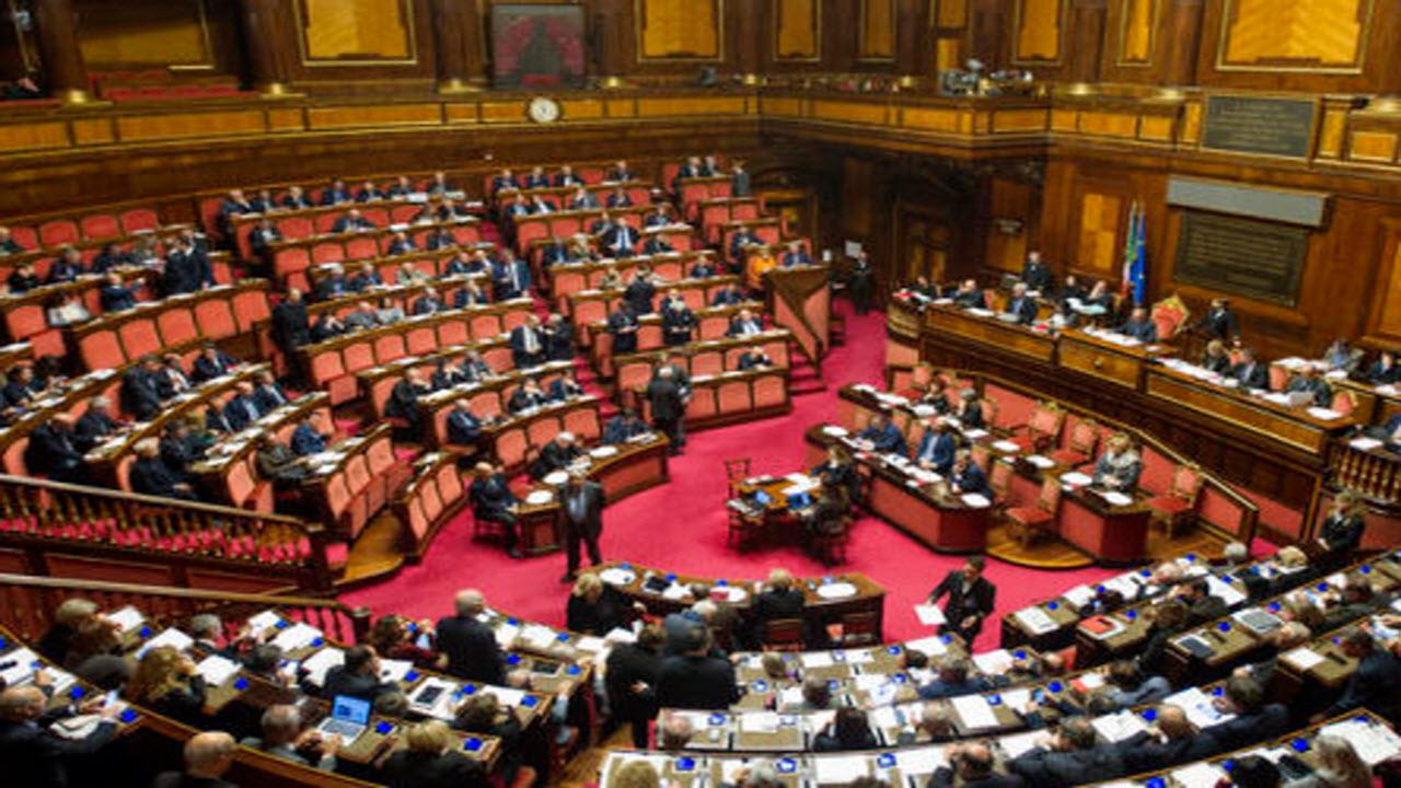 La Politica italiana, perennemente in campagna elettorale e corrotta