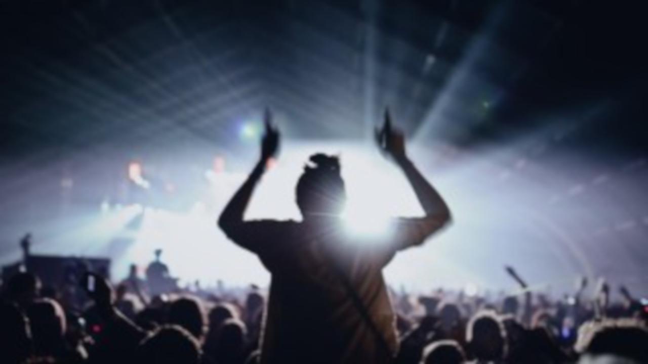 Scozia: al bando i cellulari al Fly Open Air festival di Edimburgo