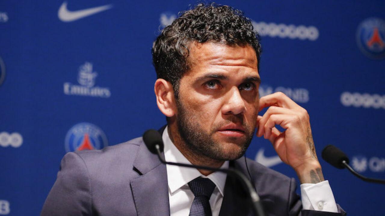 """Dani Alves parlando della Juve: """"Mi ha tradito, ho passato un brutto anno a Torino"""""""