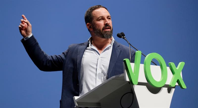 Las negociaciones con ETA podrían originar una querella de VOX contra Zapatero
