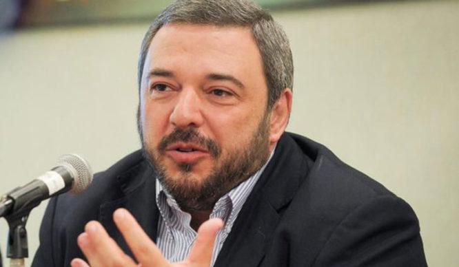 """Entrevista al economista Mario Bergara: """"La renovación arranca en la visión del mundo"""""""