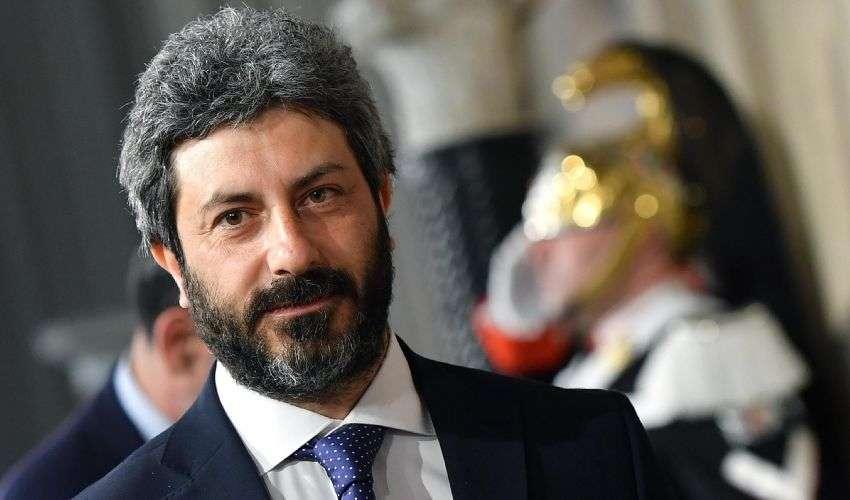 2 Giugno: Per Roberto Fico è la festa di tutti, Salvini risponde su twitter
