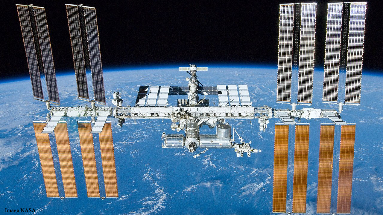 International Space Station to open to tourists from 2020