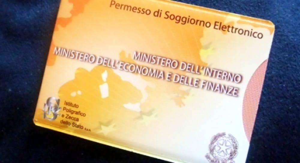 Lecce, va in questura per il rinnovo del permesso di soggiorno: era  accusata di rapina