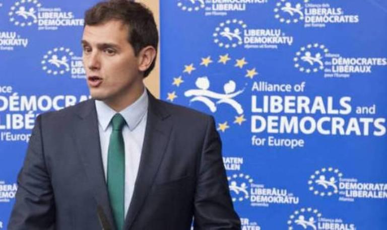 Los pactos con VOX pueden hacer que Ciudadanos deba abandonar el grupo liberal en Europa