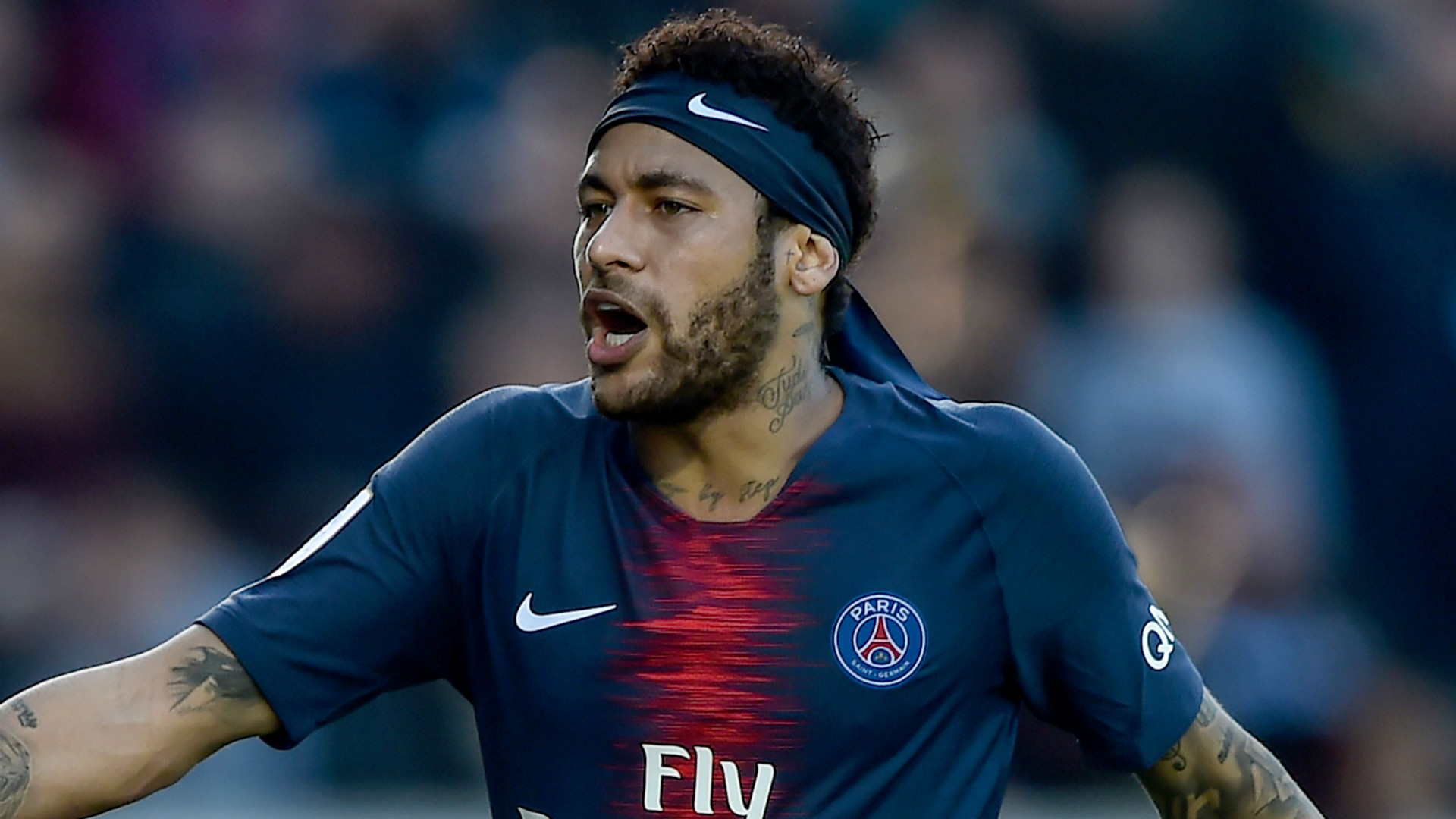 Barcelona 'weigh up £90m Neymar transfer bid and will offer PSG three players'