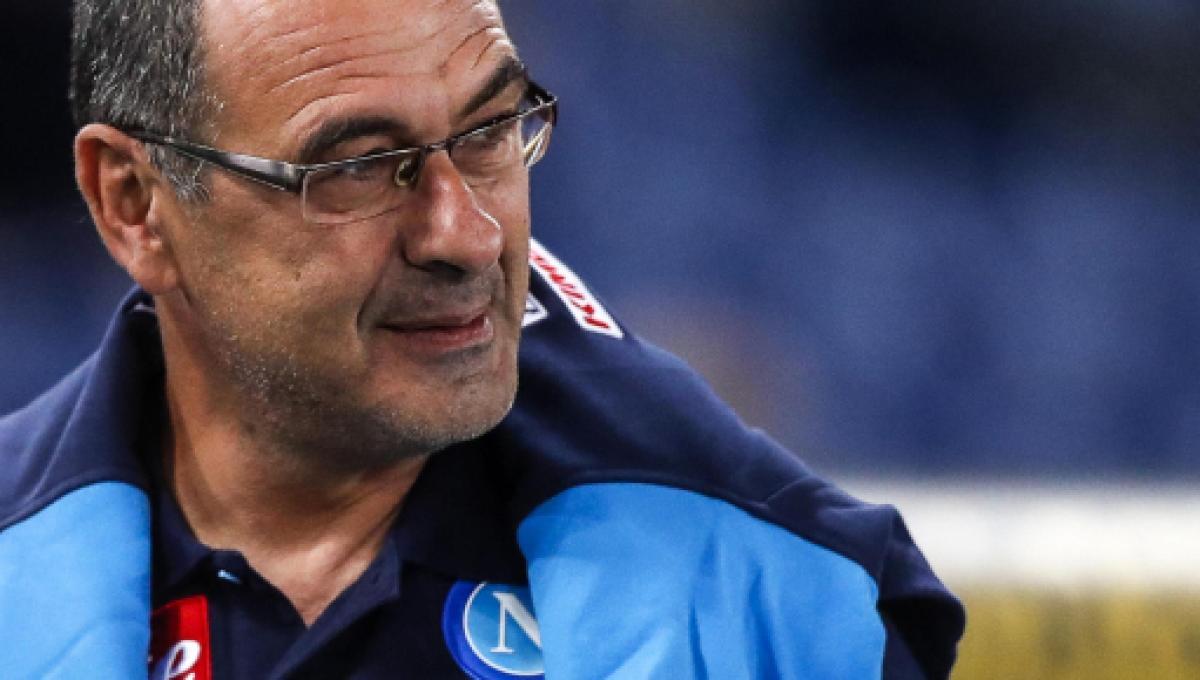 Sarri si presenta alla Juve: 'la tuta? Importante che non mi mandano nudo'
