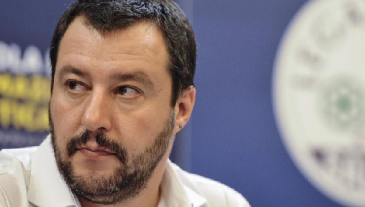 Matteo Salvini avverte la Sea Watch: 'Stop alle crociere pagate dall'Italia'