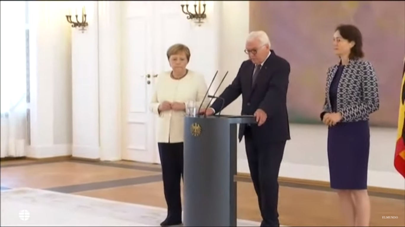 Resultado de imagen para Fotos de a canciller alemana durante un acto público en Berlín