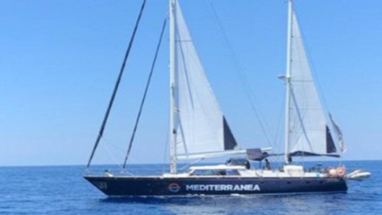 Mediterranea, Malta offre il porto ma la Ong si rifiuta: per Salvini 'atto di pirateria'