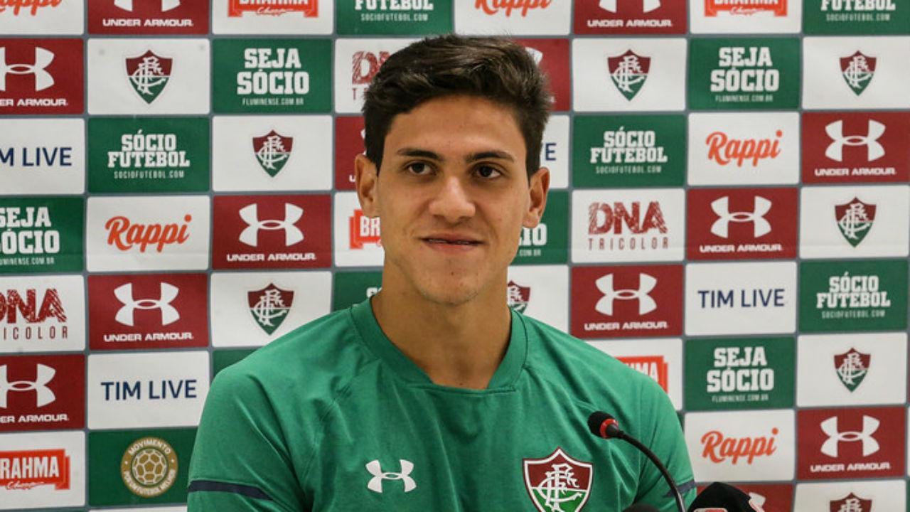 Pedro diz a diretoria do Fluminense que quer jogar no Flamengo