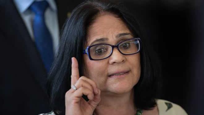 Damares diz que a maior violação dos direitos humanos é a corrupção