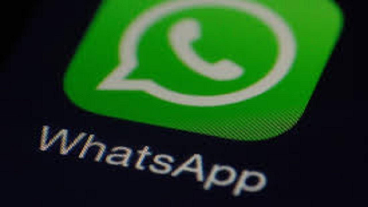 WhatsApp, in arrivo nuovi aggiornamenti: doppio controllo e dark mode