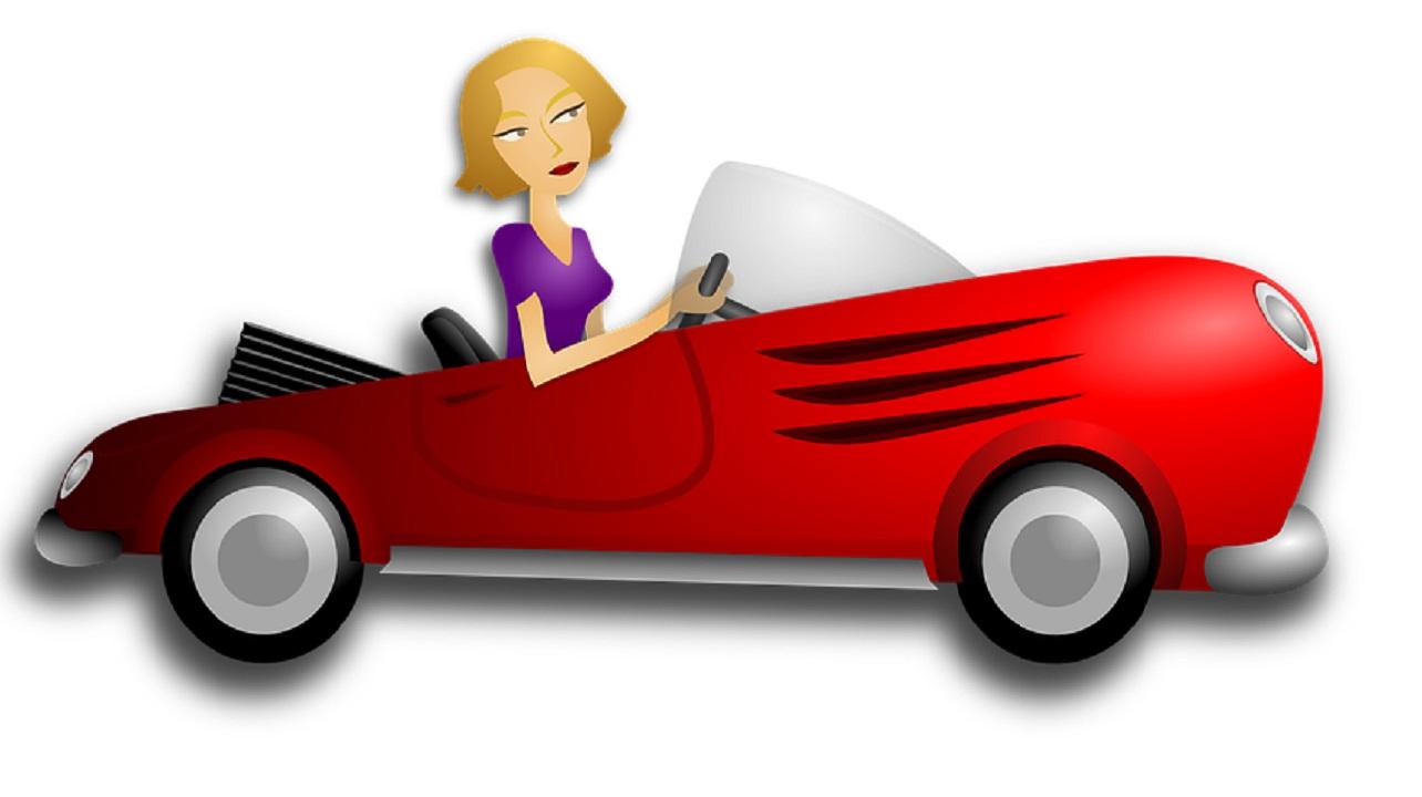 CdS: pronte le modifiche, ritiro della patente immediato a chi parla con il cellulare