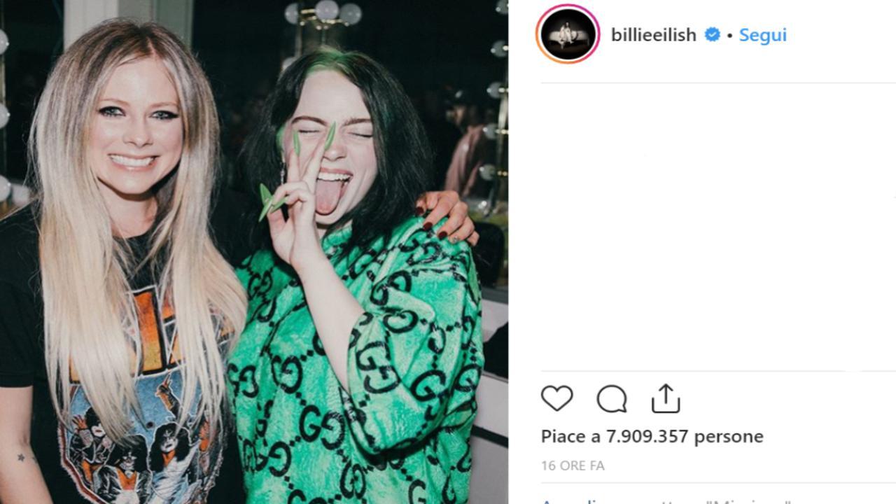 Billie Eilish incontra il suo idolo Avril Lavigne e posta la foto su Instagram