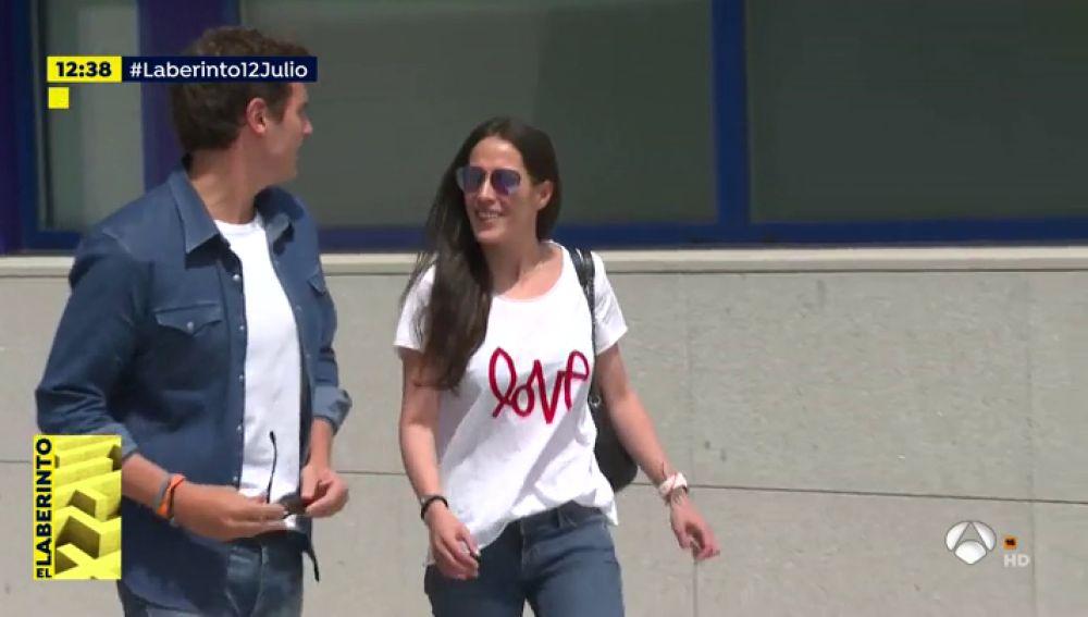 Albert Rivera y Malú salen juntos del hospital confirmando su noviazgo