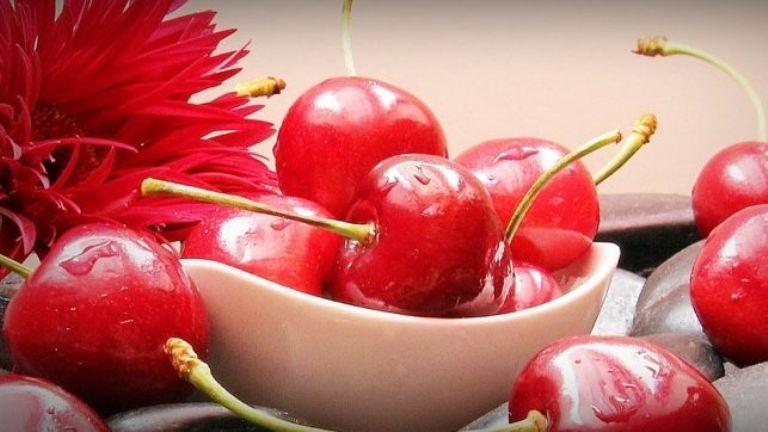 Comer cerezas aporta numerosos beneficios a tu salud y pocas calorías