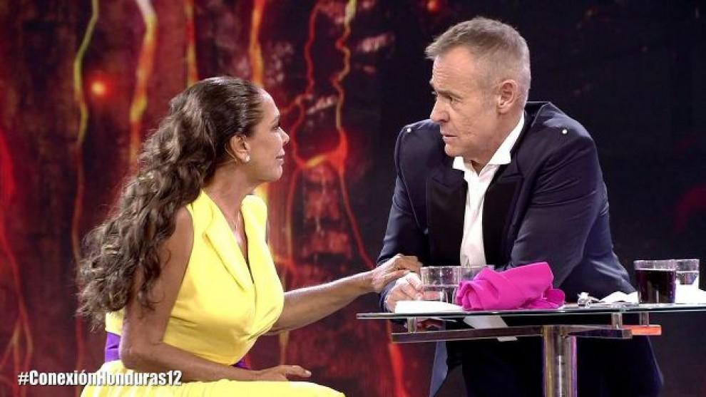 Isabel Pantoja explica que Juan Gabriel le pidió la mano