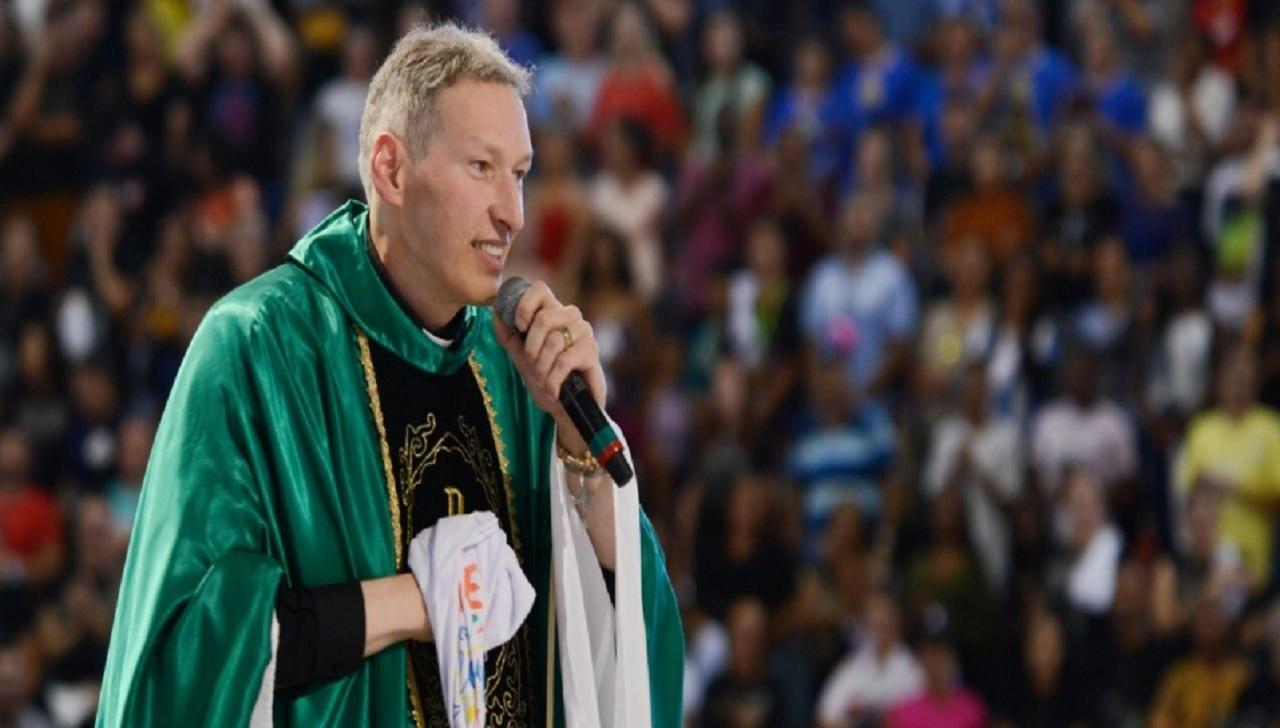 Padre Marcelo Rossi fala sobre BO: 'Bíblia e oração'