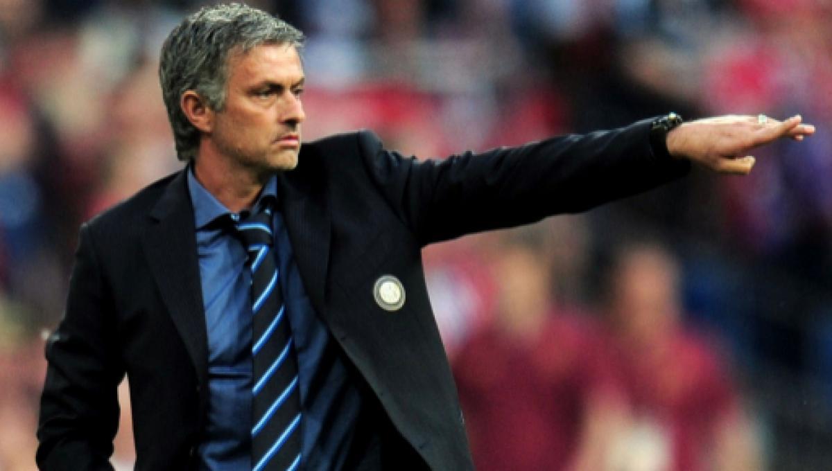 Inter, Mourinho: 'i nerazzurri devono vincere lo scudetto con Conte'