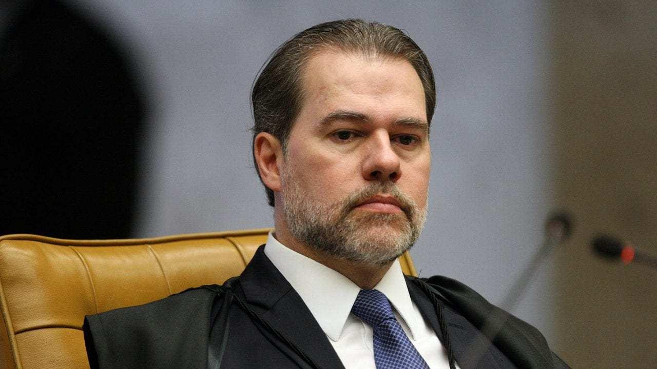 Toffoli quer explicações de Moro e PF sobre possível investigações contra Glenn Greenwald