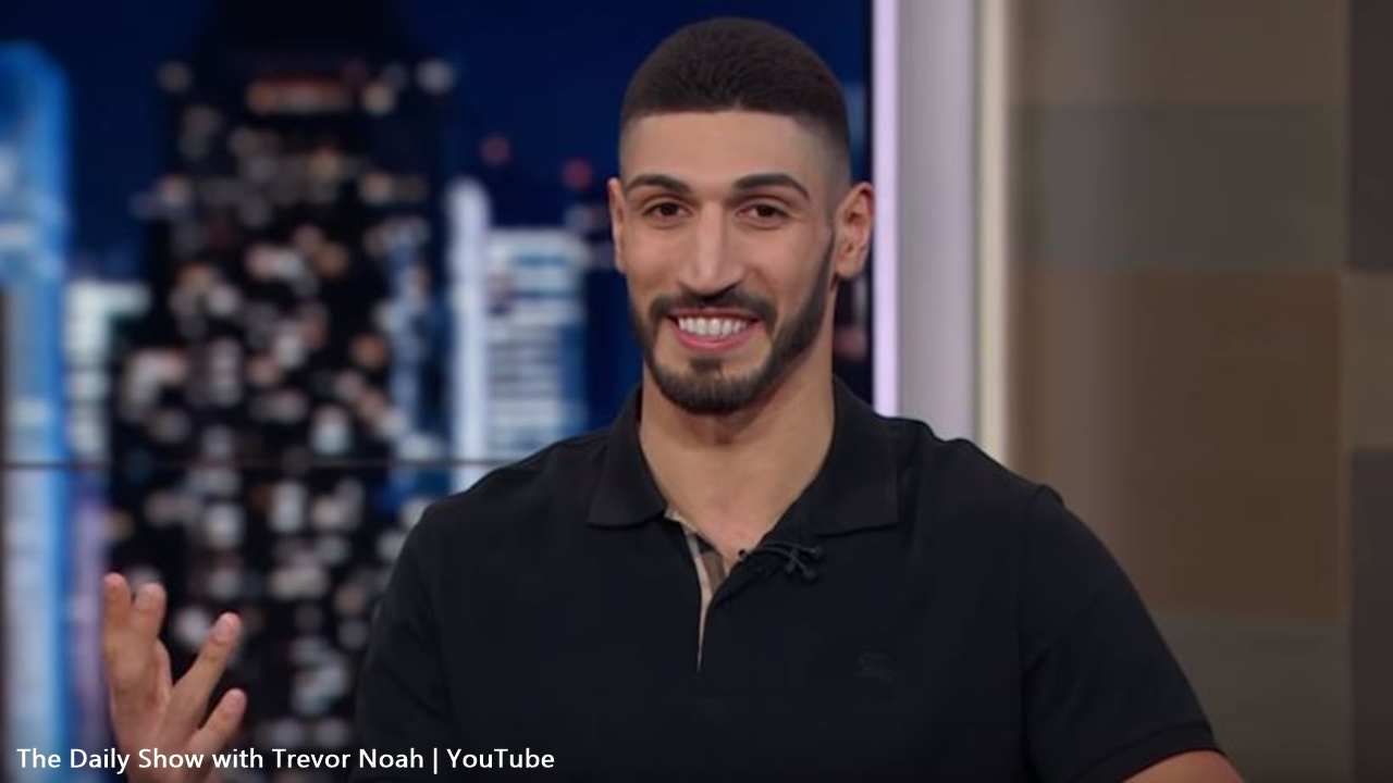 Boston Celtics: Enes Kanter would love to meet NFL's Tom Brady