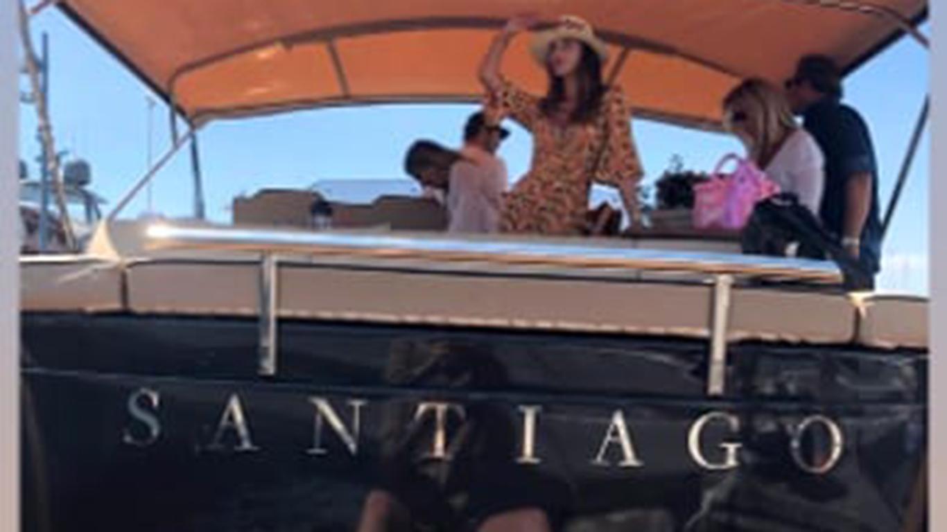 """Belen e Stefano acquistano uno yacht di nome """"Santiago"""""""