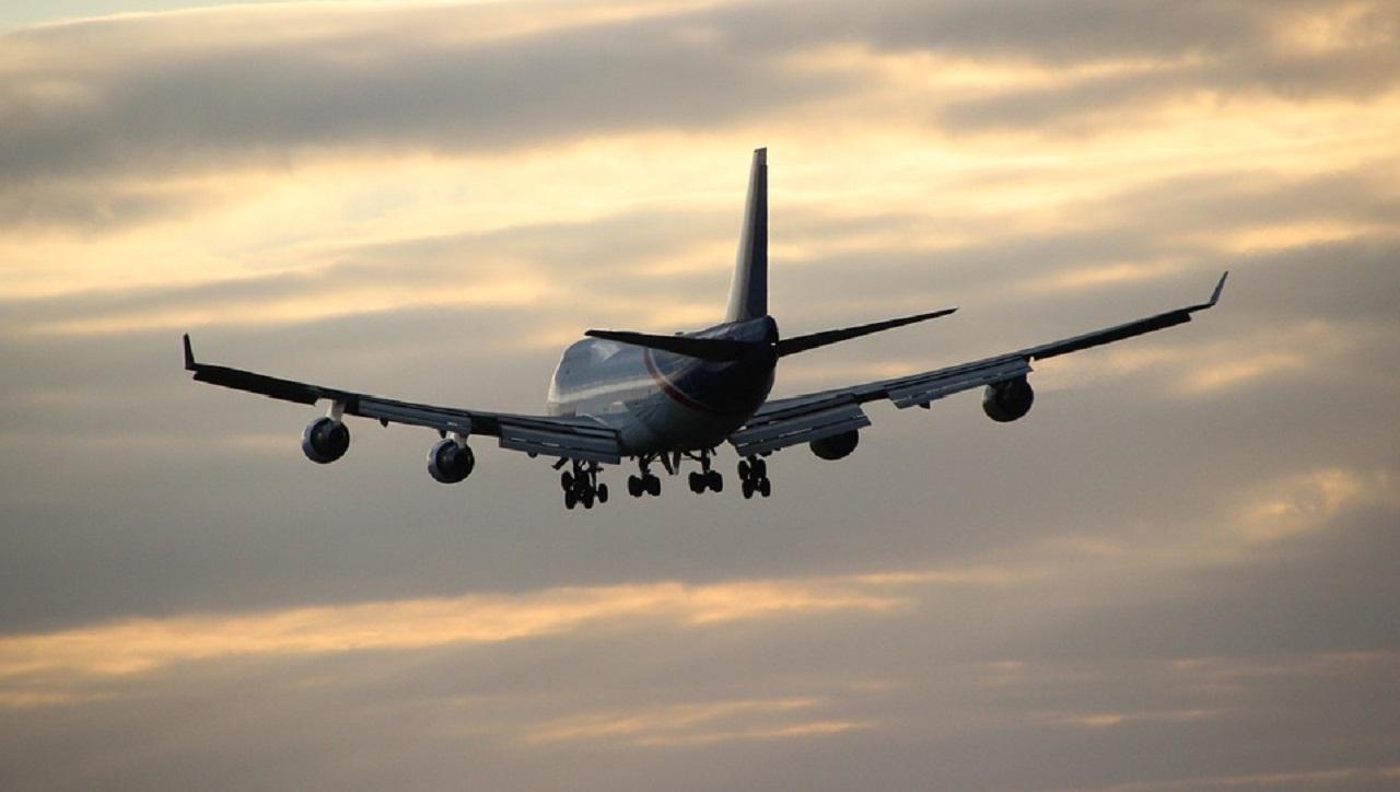 UK: prende l'aereo ma ha una crisi di nervi in volo, dovrà risarcire la compagnia