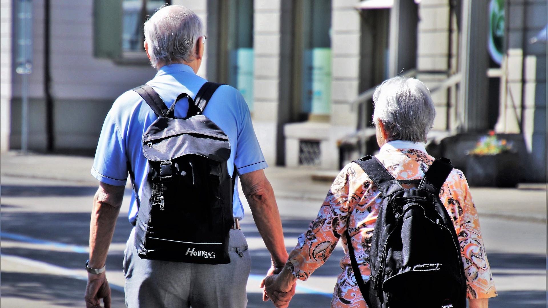 Proposta della Cgil sulle pensioni: uscita a 66 anni, 42 di contributi e assegno di 1.000€