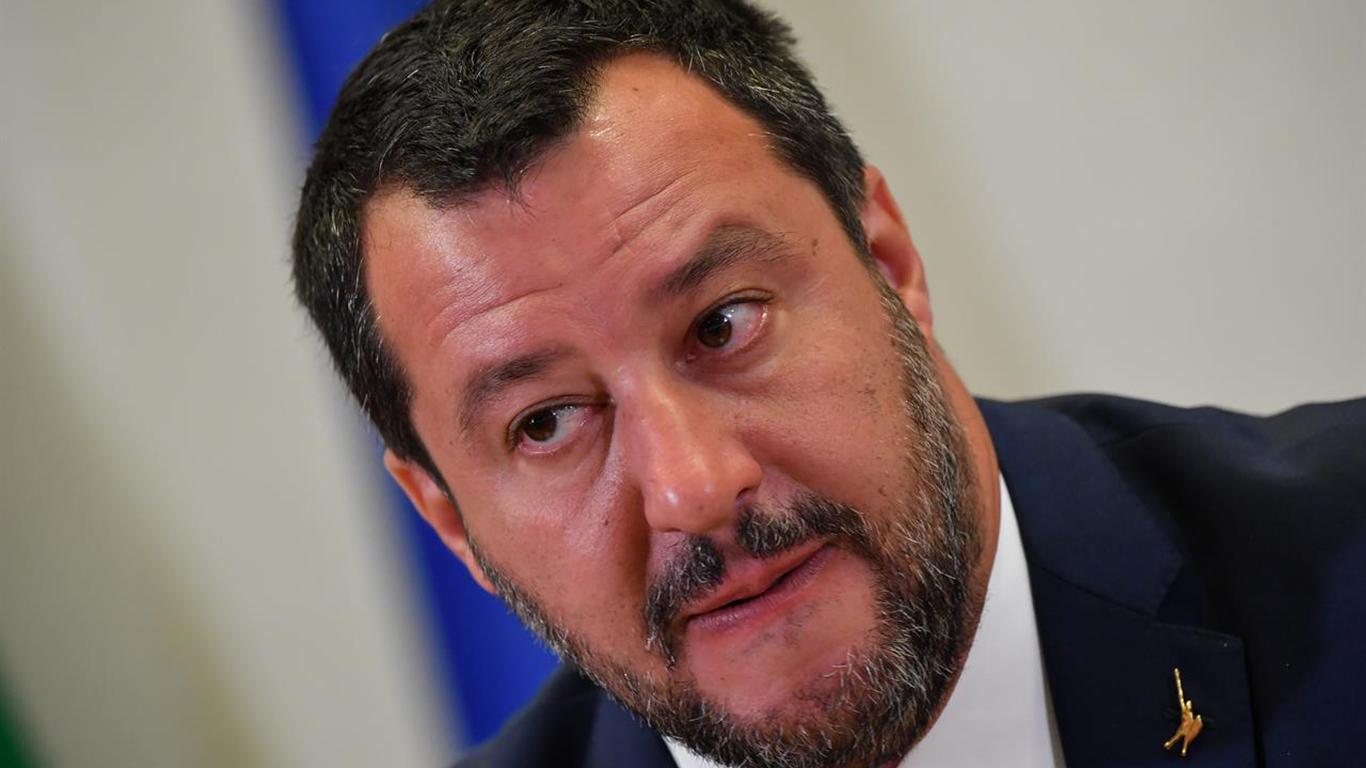 Per La Stampa, il ministro Salvini non sarebbe un buon esempio