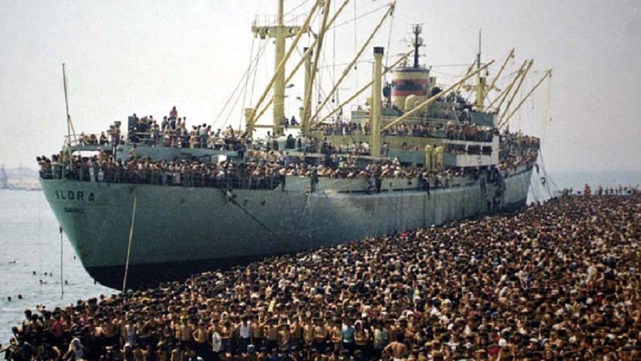 Sui migranti arriva la provocazione di Macron: 'Accolti nel porto più vicino'