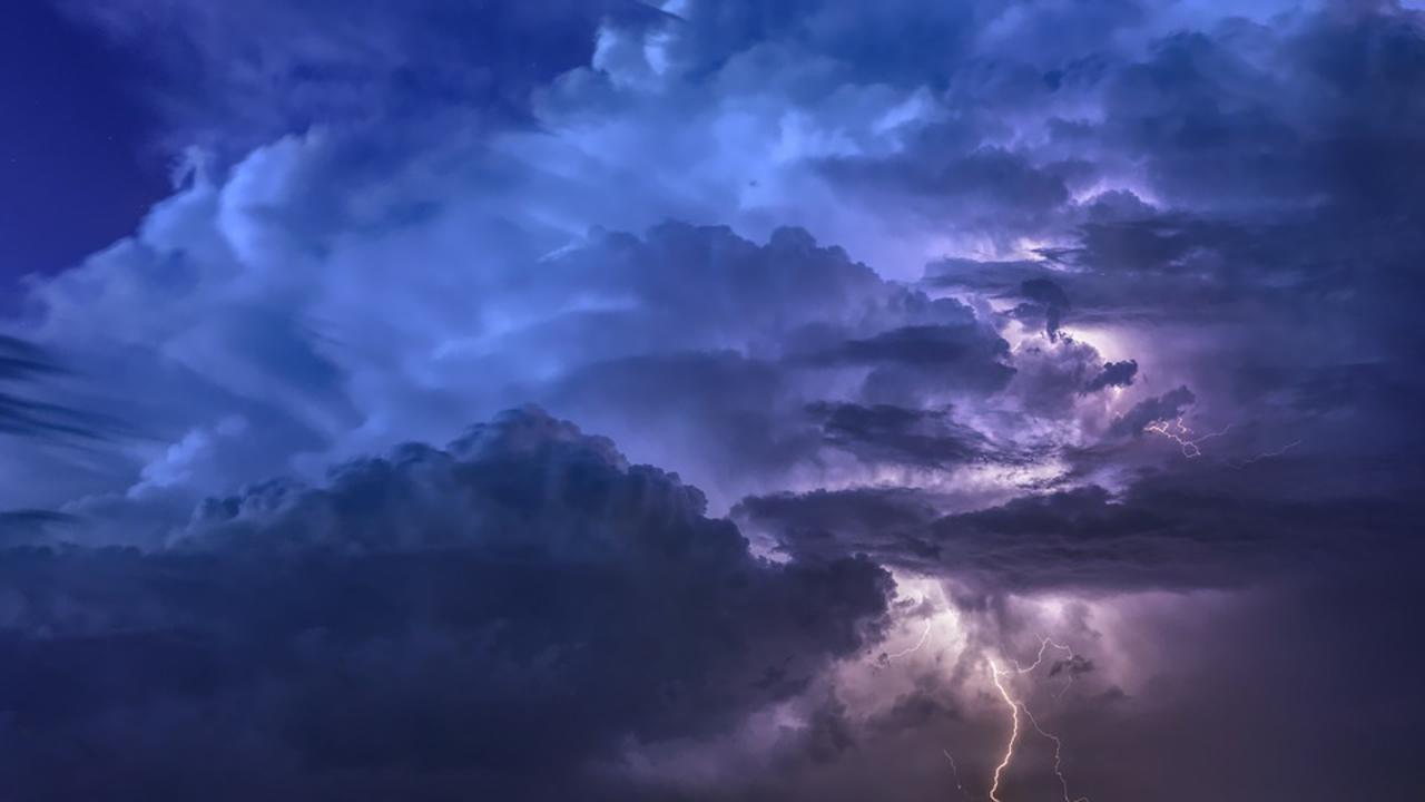 Previsioni meteo, weekend 27-28 luglio: calo delle temperature, rovesci al centro-nord