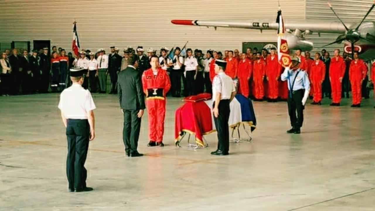 Hommage à Franck Chesneau : Christophe Castaner salue le pilote mort dans le Gard