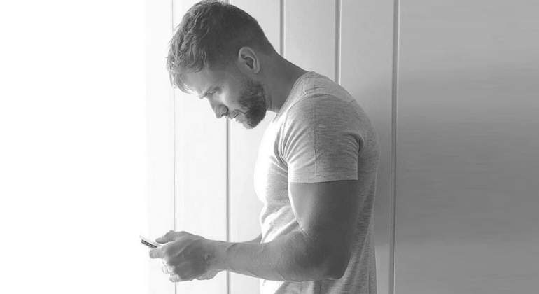 Pablo Alborán recorta una foto en Instagram porque resaltaba su entrepierna