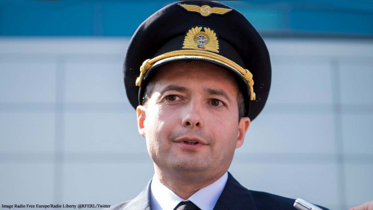 Pilot hailed a hero after Ural Airline plane lands in corn field after double bird strike