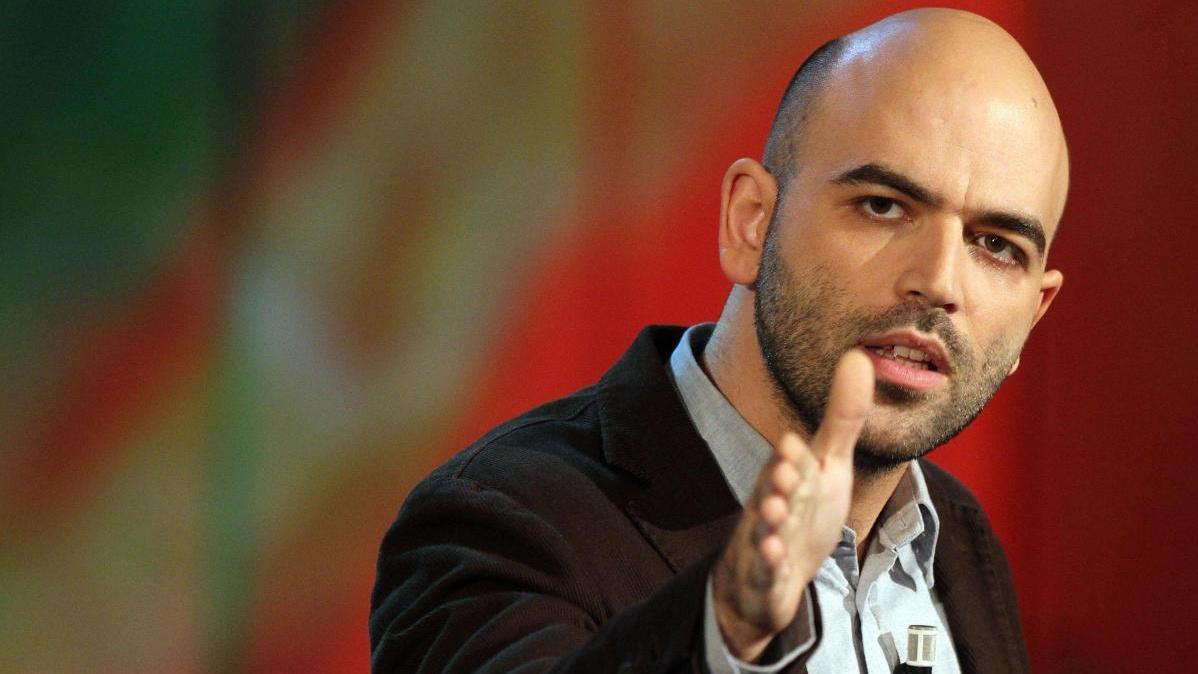 Open Arms: Roberto Saviano contro Matteo Salvini, Diego Fusaro risponde